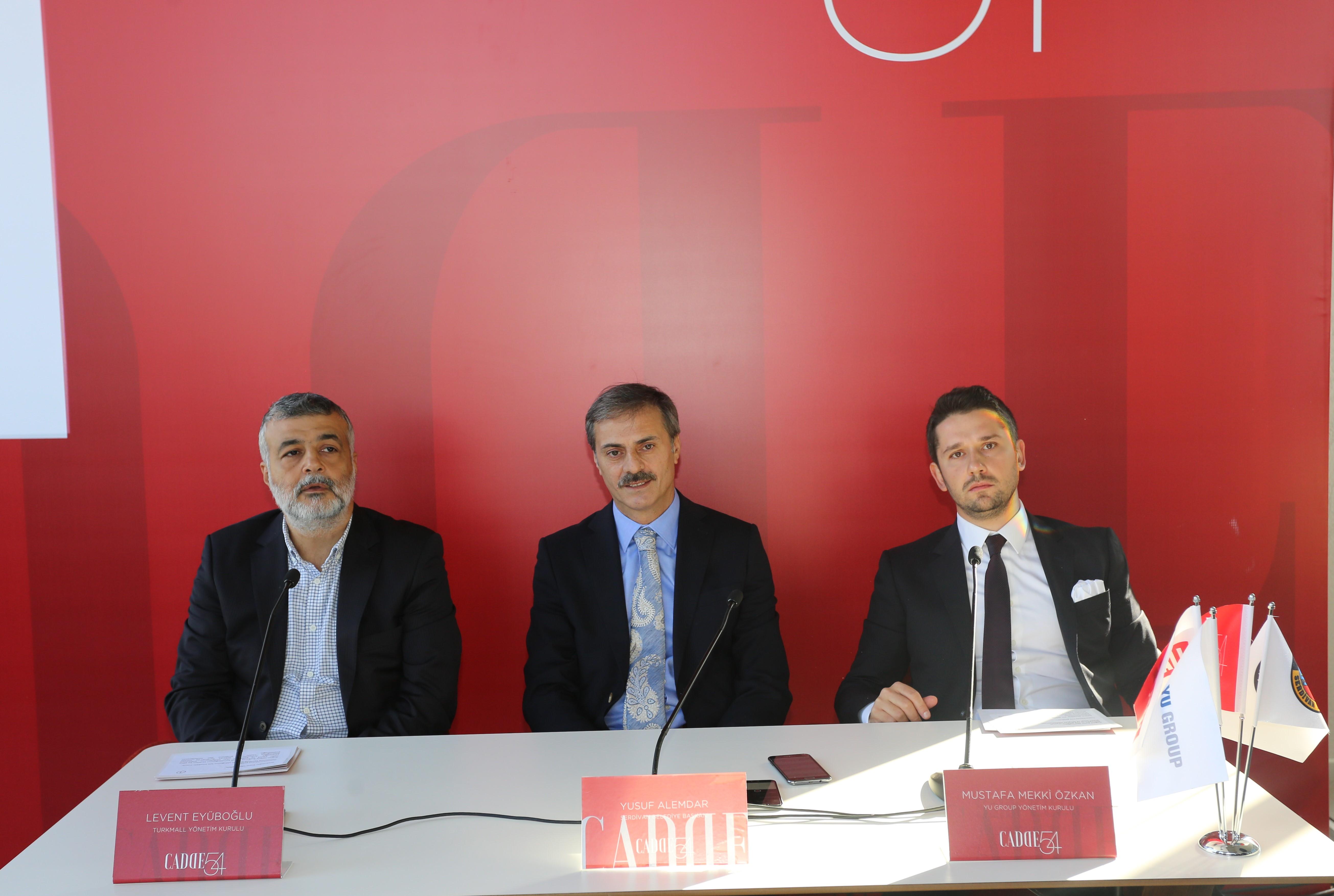 Turkmall Yönetim Kurulu Başkan Yardımcısı Levent Eyüboğlu - Serdivan Belediye Başkanı Yusuf Alemdar - Yu Group Yönetim Kurulu Başkan Yardımcısı Mustafa Mekki Özkan